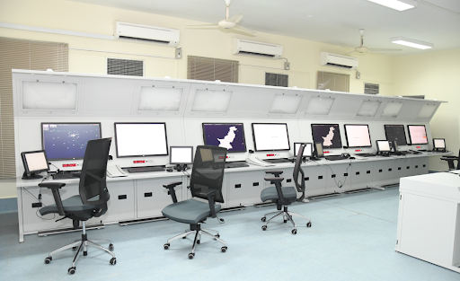 operational-APP-ACC-sectors-high-consoles-front-side