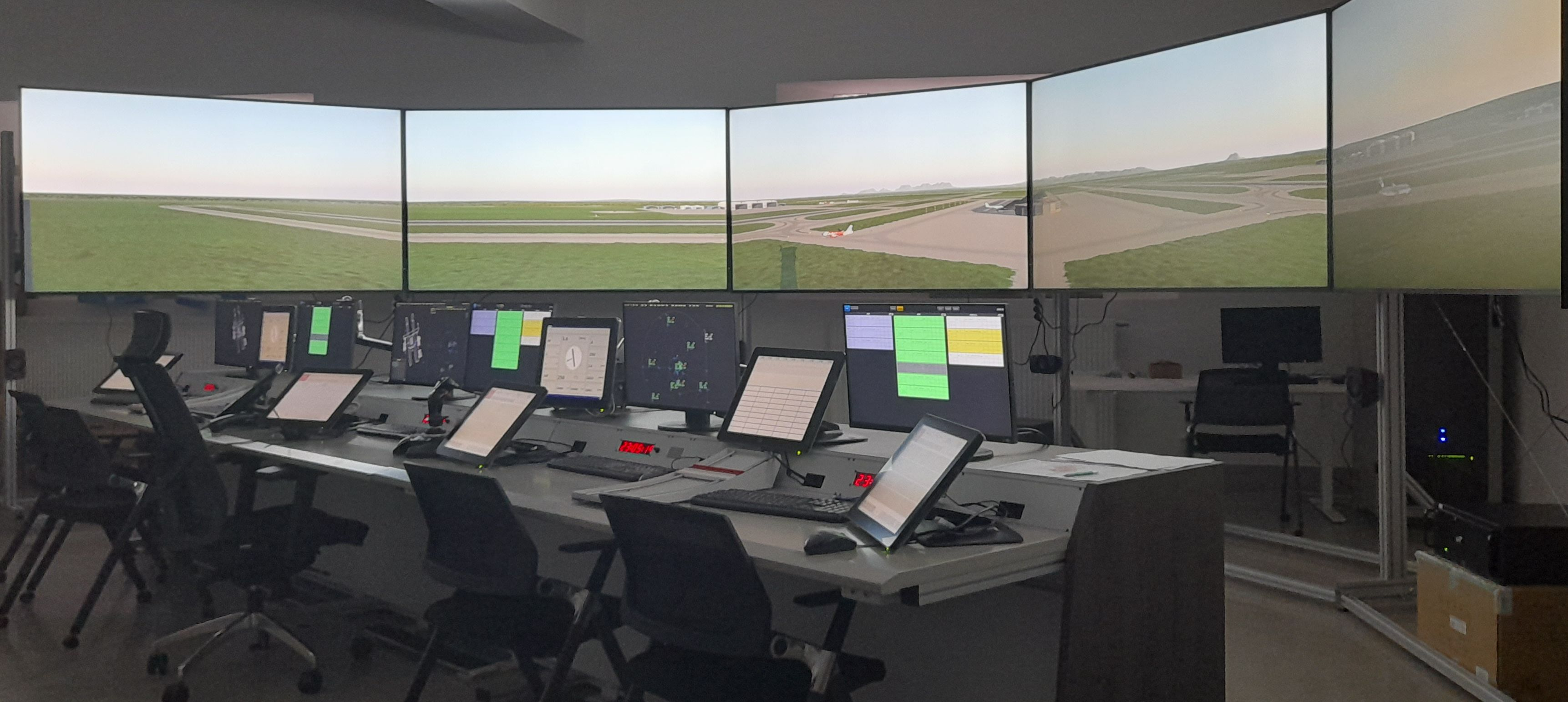 tower-Simulator-6-screens-console-chair-operating-skyradar